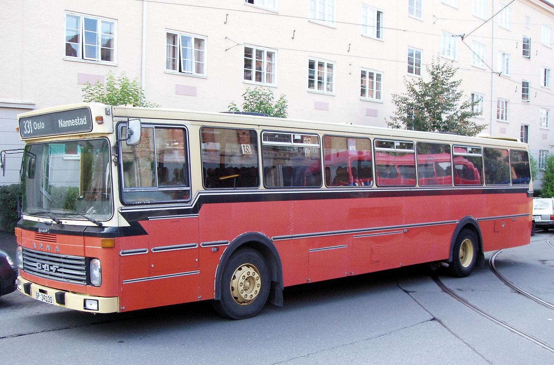 Schøyens Veteranbussklubb stilte med SP34109, en 1980 DAF MB200 med Arna-karaosseri.